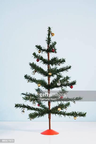 christmas tree - kunstmatig stockfoto's en -beelden