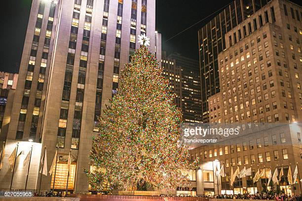 christmas tree with decorations in new york city - rockefeller center christmas tree stock pictures, royalty-free photos & images