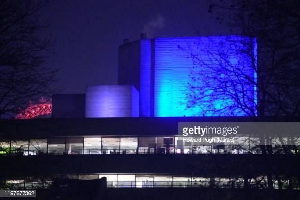 christmas trees, night lights and architecture - ロンドン サウスバンク ストックフォトと画像