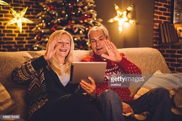 Weihnachten video-Chats mit Familie.