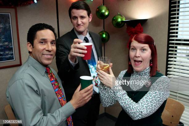 "Christmas Wishes"" Episode 810 -- Pictured: Oscar Nunez az Oscar Martinez, Zach Woods as Gabe Lewis, Kate Flannery as Meredith Palmer -- Photo by:..."