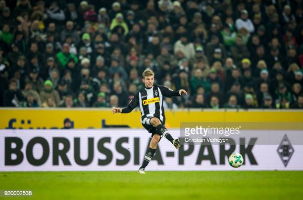 Christoph Kramer of Borussia Moenchengladbach controls the ball during the Bundesliga match between Borussia Moenchengladbach and Borussia Dortmund...