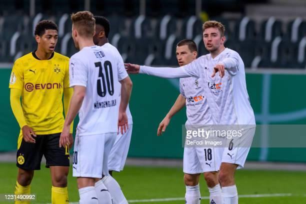 Christoph Kramer of Borussia Moenchengladbach gestures during the DFB Cup quarter final match between Borussia Mönchengladbach and Borussia Dortmund...