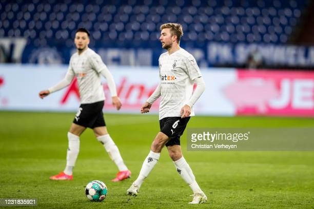 Christoph Kramer of Borussia Moenchengladbach in action during the Bundesliga match between FC Schalke 04 and Borussia Moenchengladbach at...