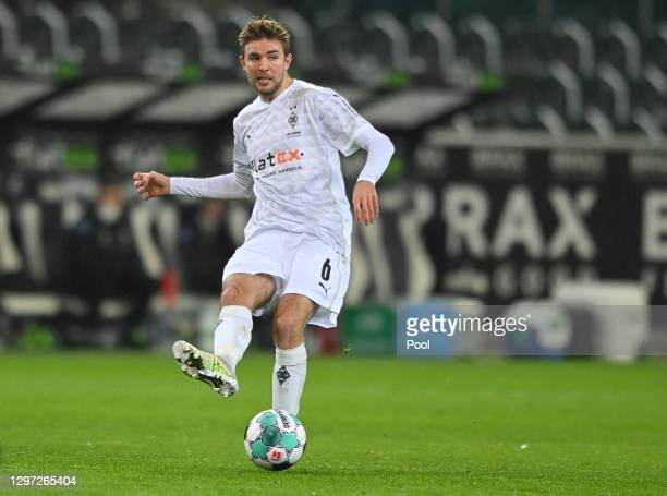 Christoph Kramer of Borussia Monchengladbach looks for a pass during the Bundesliga match between Borussia Moenchengladbach and SV Werder Bremen at...