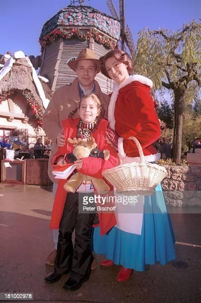 Christoph Schobesberger, Tochter, Lea-Maria, Ehefrau Daniela Lohmeyer, Disneydarstellerin, Mainstreet, Disneyland Paris, Frankreich, ,...