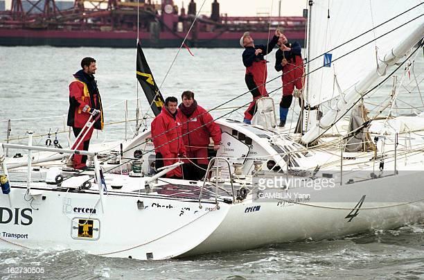 Christophe Auguin Participates In 'La Route De L'Or' 1998 Dans la baie de New York en janvier 1998 Christophe AUGUIN à gauche en parka rouge et jaune...