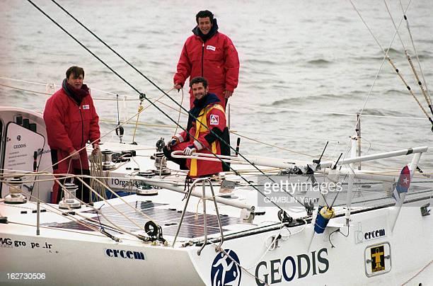 Christophe Auguin Participates In 'La Route De L'Or' 1998 Dans la baie de New York en janvier 1998 Christophe AUGUIN en parka rouge et jaune avec...
