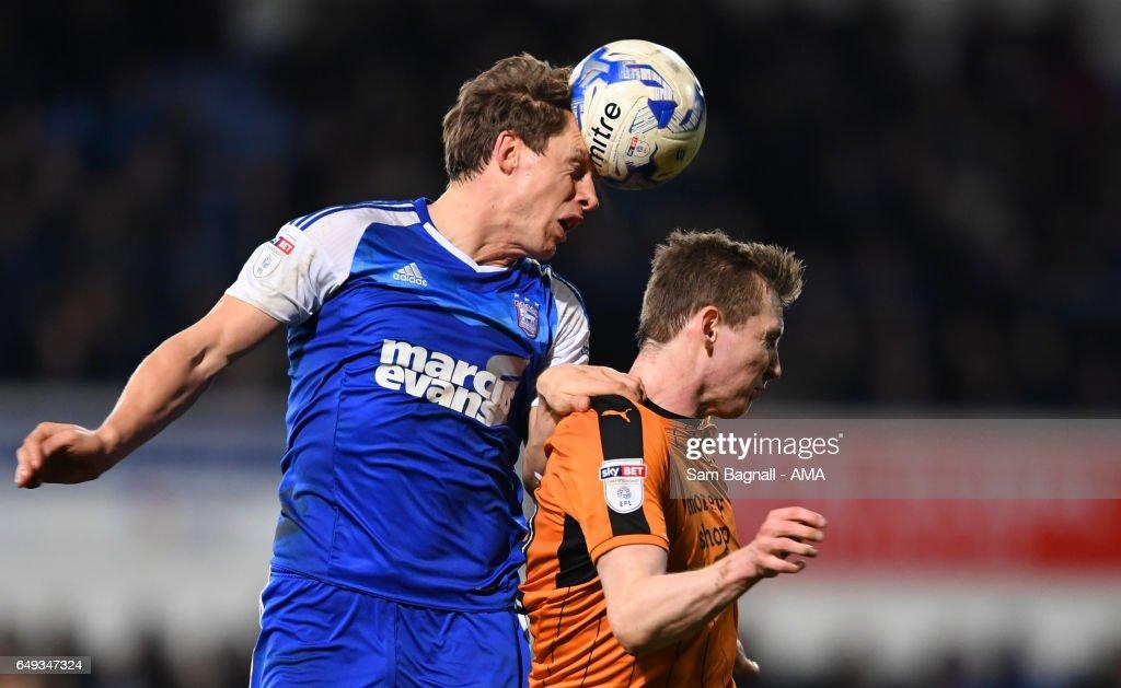 Ipswich Town v Wolverhampton Wanderers - Sky Bet Championship