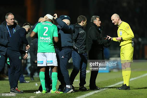 Christophe Galtier coach of Saint Etienne during the French Ligue 1 match between Angers SCO v AS SaintEtienne at Stade JeanBouin on March 5 2016 in...