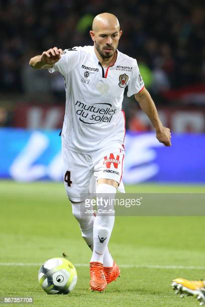 Christophe Jallet of OGC Nice during the French Ligue 1 match between Paris SaintGermain and OGC Nice at Parc des Princes stadium on October 27 2017...