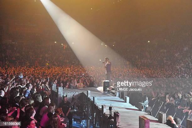 Christophe Mae On Tour Christophe MAE en tournée Révélé par 'Le Roi Soleil' le jeune chanteur de Carpentras est aujourd'hui le plus gros vendeur de...