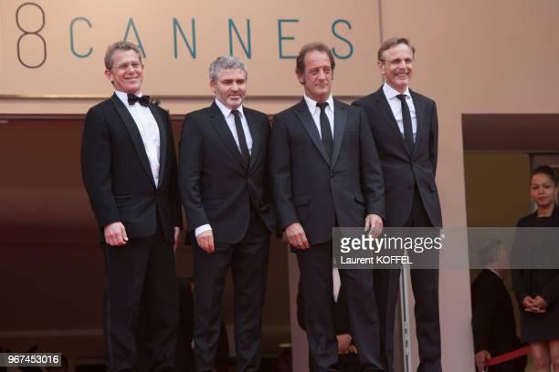 Christophe Rossignon Stephane Brize Vincent Lindon et Philip Boffard lors de la première du film 'La glace et le ciel' et de la cérémonie de clôture...