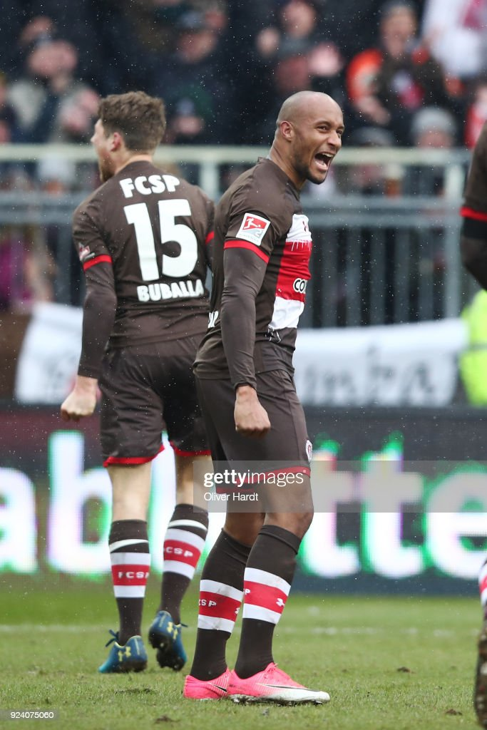 Christopher Avevor of Hamburg celebrate after the Second Bundesliga match between FC St. Pauli and Holstein Kiel at Millerntor Stadium on February 25, 2018 in Hamburg, Germany.