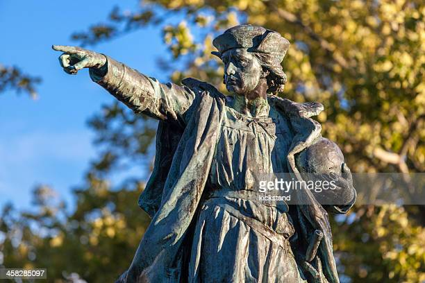 christopher columbus statue - columbus statue stock pictures, royalty-free photos & images