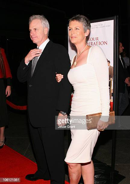 Christopher Guest and Jamie Lee Curtis during For Your Consideration Los Angeles Premiere Red Carpet at Director's Guild of America in Los Angeles...