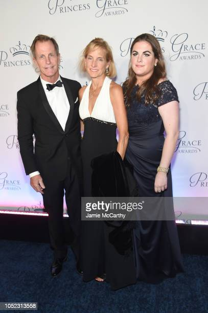 D Christopher Le Vine with Vicki Le Vine and daughter Kelly attend the 2018 Princess Grace Awards Gala at Cipriani 25 Broadway on October 16 2018 in...