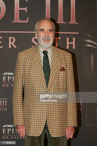 Christopher Lee Beim Photocall Zum Film Star Wars Episode 3 Die Rache Der Sith Im Marriott Hotel In Berlin Am 180505