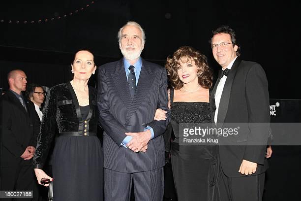 """Christopher Lee Mit Ehefrau Birgit Und Joan Collins Mit Ehemann Percy Gibson Bei Der Montblanc Gala Zur """"Writing Time"""" Weltpremiere Von Montblanc..."""