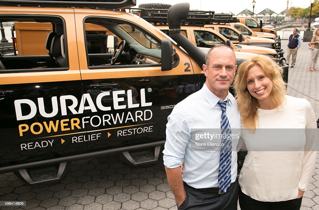 Natural Disaster National Day Of Action Event Hosted By Chris Meloni : Nieuwsfoto's