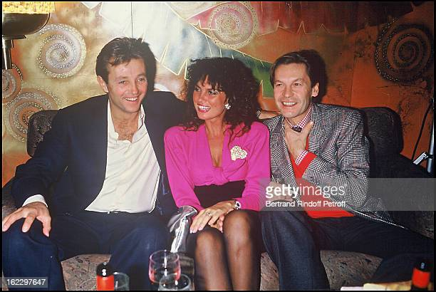 Christopher Mitchum Caroline Munro and Helmut Berger at Regine's for the outing of Les Predateurs De La Nuit in 1987