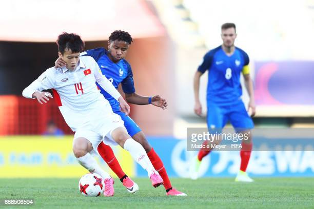 Christopher Nkunku of France defends Hoang Duc Nguyen of Vietnam during the FIFA U-20 World Cup Korea Republic 2017 group E match between France and...