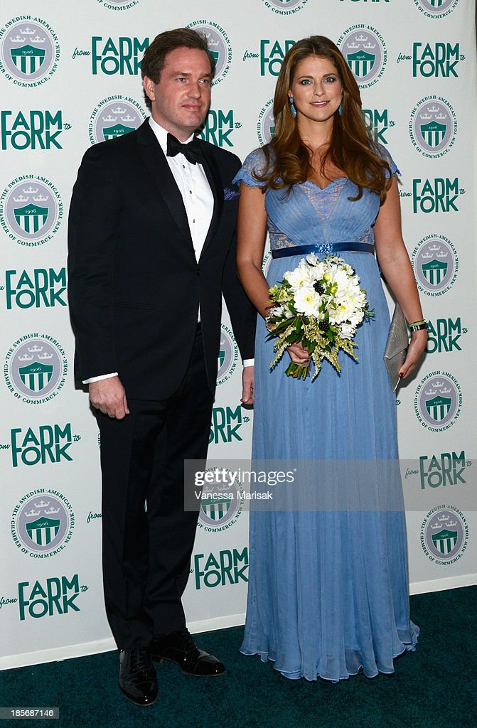 2013 New York Green Summit And Royal Gala Award Dinner : News Photo