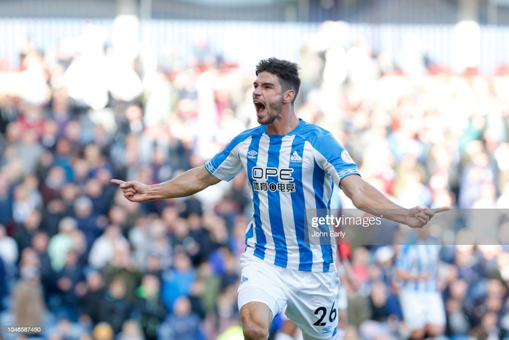 Burnley FC v Huddersfield Town - Premier League : News Photo
