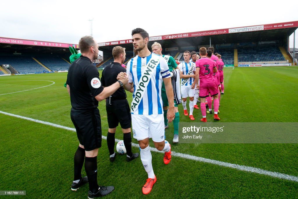 Rochdale v Huddersfield Town - Pre-Season Friendly : Photo d'actualité