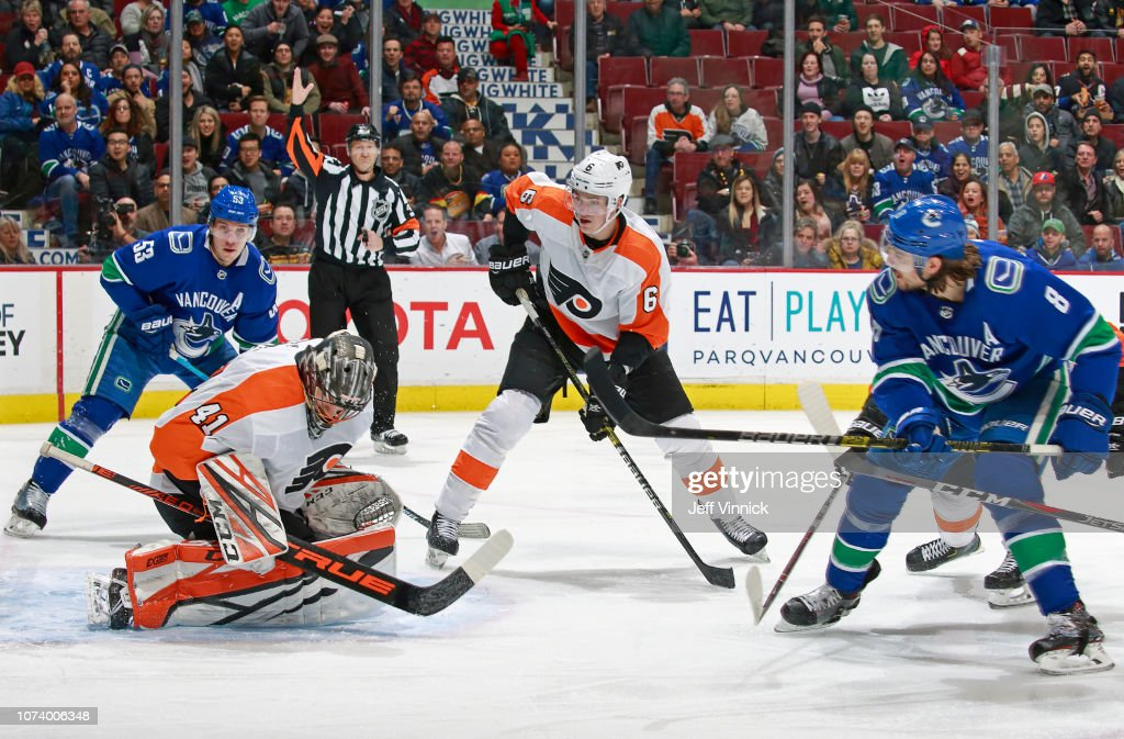 Philadelphia Flyers v Vancouver Canucks : News Photo