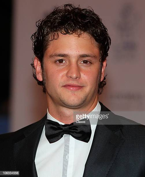 Christopher Uckermann arrives at the 2010 Premio Lunas Del Auditorio award ceremony on October 27 2010 in Mexico City Mexico