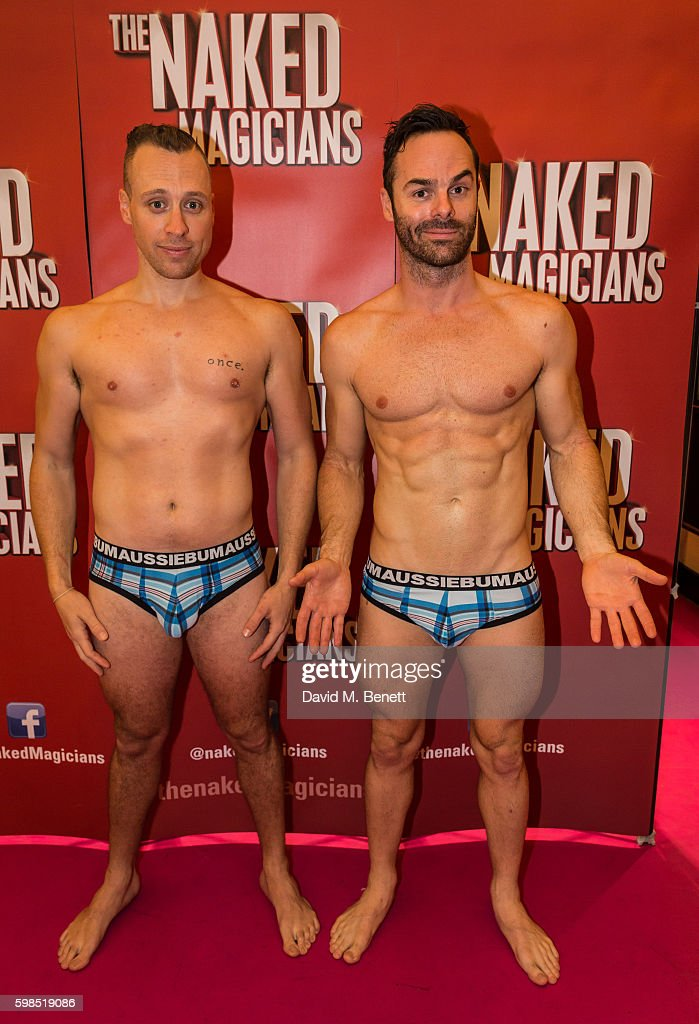 THE NAKED MAGICIANS : THE MAGICIANS