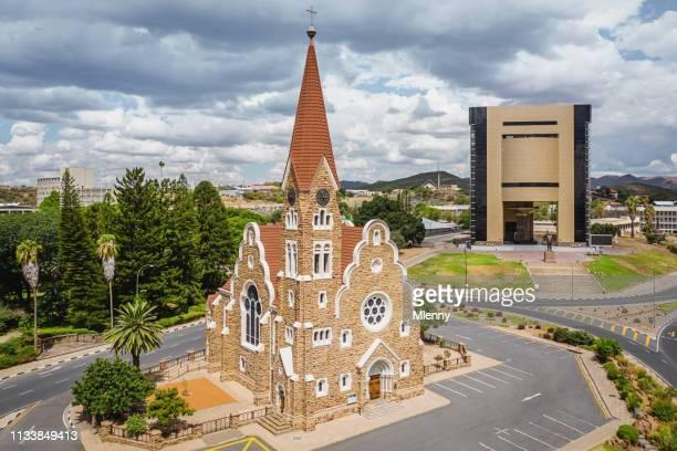 christuskirche windhoek und national museum of namibia aerial view - südwesten stock-fotos und bilder