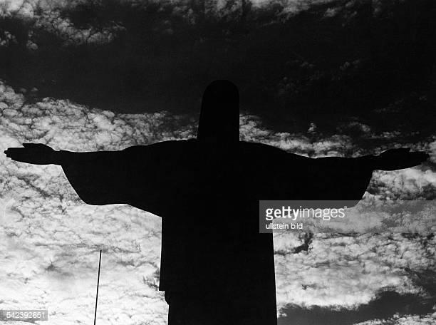 Christusstatue im Gegenlicht 1969