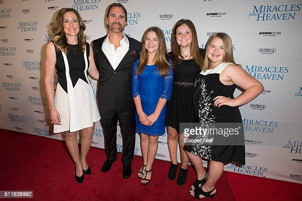 Christy Beam Kevin Beam Annabel Beam Abbie Beam and Adelynn Beam pose for a photo on the red carpet for the premiere of 'Miracles From Heaven' on...
