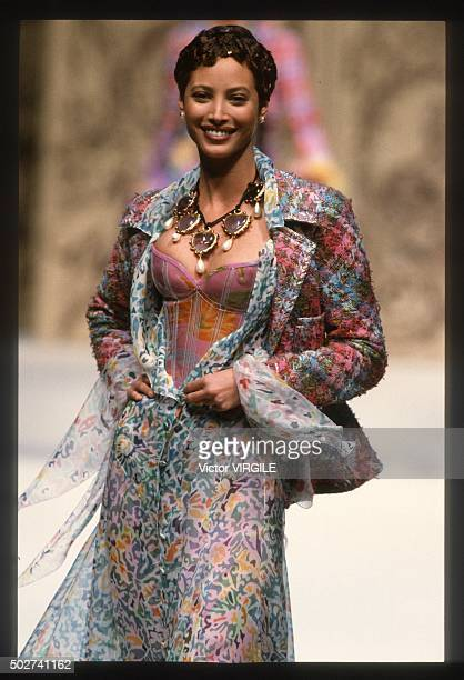 Christy Turlington walks the runway during the Chanel Haute Couture show as part of Paris Fashion Week Spring/Summer 19931994 in January 1993 in...