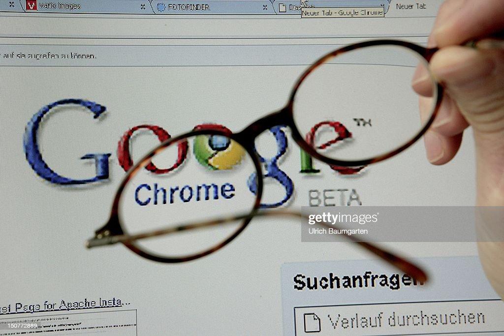 GERMANY, BONN, Chrome - the new google browser .