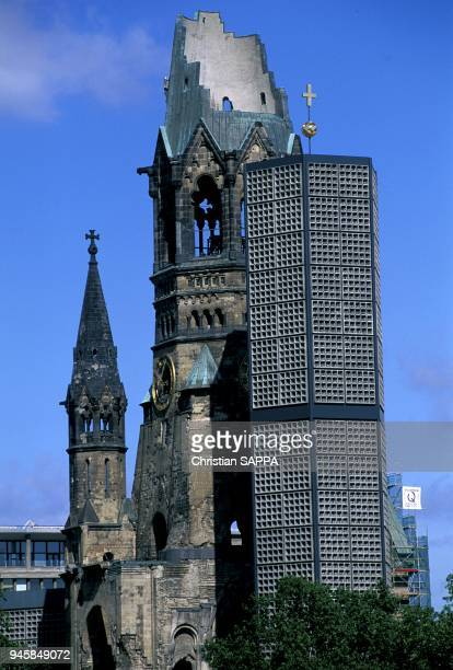 Chruch dedicated to the memory of Emperor William Ist Eglise ddie la mmoire de l'empereur Guillaume Ier