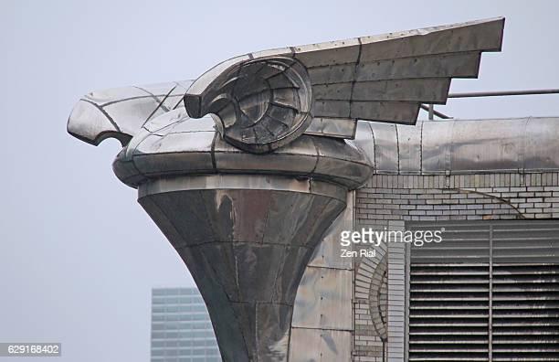 chrysler building (plymouth hood) gargoyle on a rainy day - manhattan, newyork city - chrysler building stock pictures, royalty-free photos & images