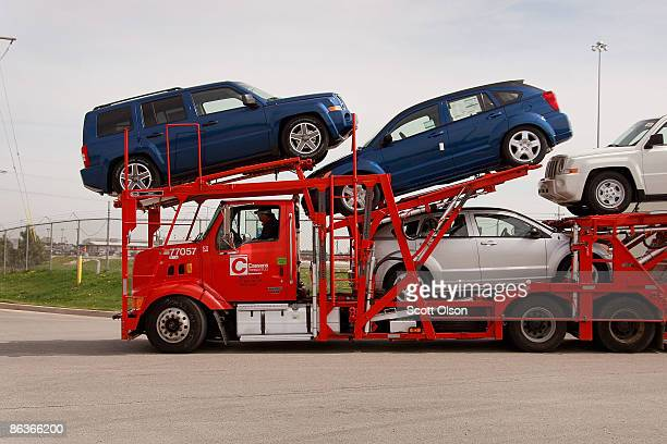Chrysler vehicles are transported from the Belvidere Assembly plant May 4, 2009 in Belvidere, Illinois. Today Chrysler idled all of its manufacturing...