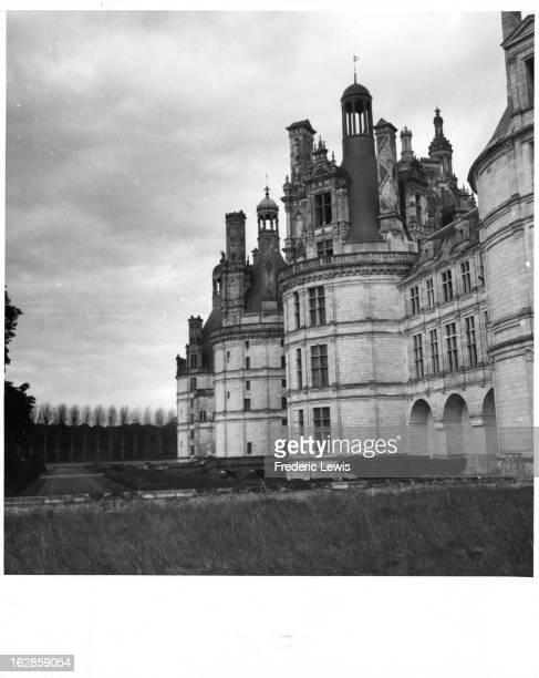 Ch‰teau de Chambord at Chambord LoiretCher France 1955