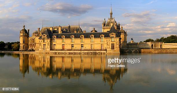 château de chantilly, picardie, france - frans sellies stockfoto's en -beelden