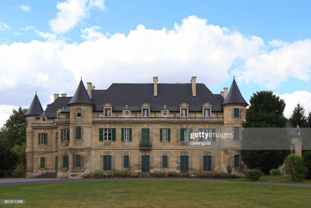 Château de Lamorlaye in Hauts-de-France : Stock Photo