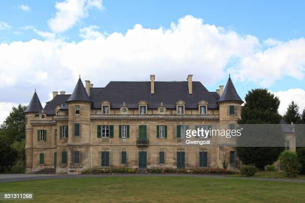 château de lamorlaye in hauts-de-france - oise stock photos and pictures