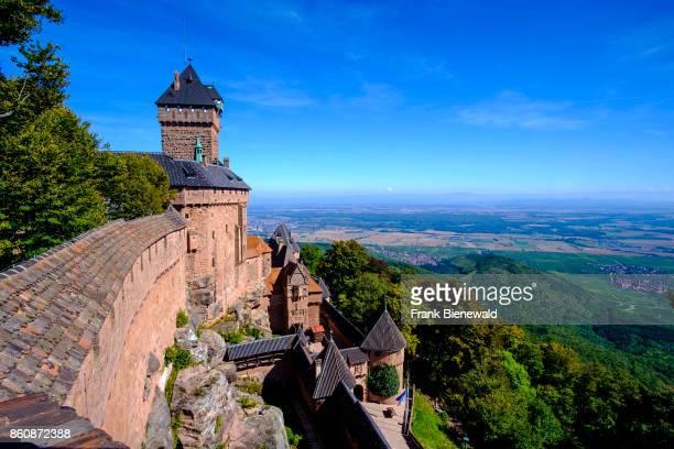 Château du HautKoenigsbourg HautKoenigsbourg Castle is located at the foot of Alsace hills