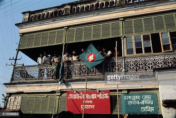 Chuadanga E Pakistan The flag of Bangla Desh is raised at the Awami League headquarters Pakistani federal government troopsattacked the East Pakistan...
