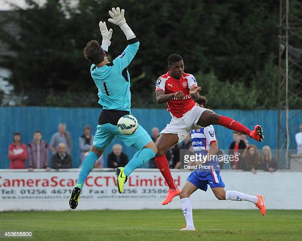 Chuba Akpom of Arsenal heads the ball past Daniel Lincoln of Reading during the match between Reading U21 and Arsenal U21 in the Barclays Premier...