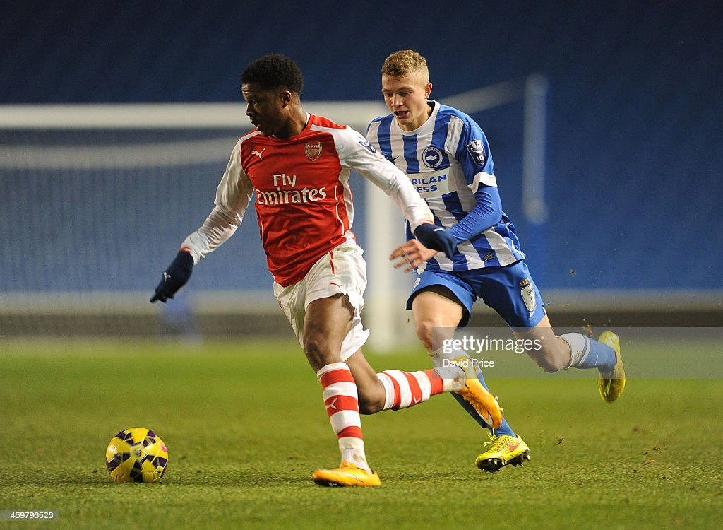 Chuba Akpom Of Arsenal Is Closed Down By Ben Barclay Of