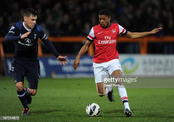 Chuba Akpom Of Arsenal Takes On Grant Hall Of Spurs During