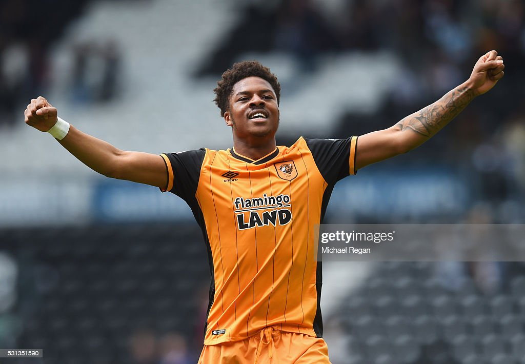Chuba Akpom Of Hull City Celebrates Victory After The Sky